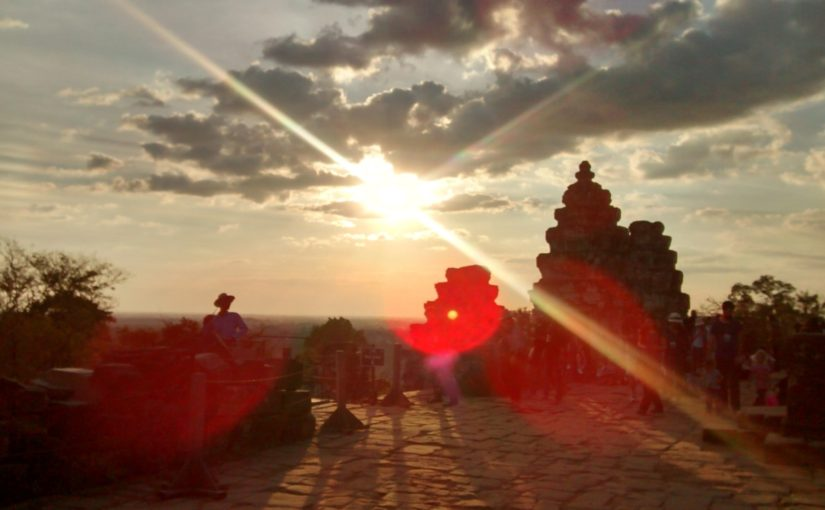 Siem Reap – go, tell it on the mountain … that Jesus Christ is born!